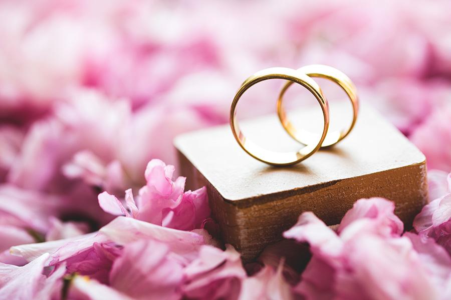 Choisir-bague-de-fiançailles-or-rose